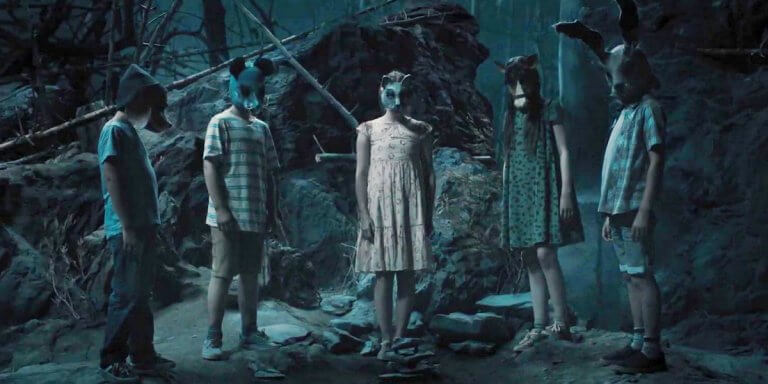 改編史蒂芬金 (Stephen King) 恐怖經典的《禁入墳場》(Pet Sematary) 重啟版電影劇照。