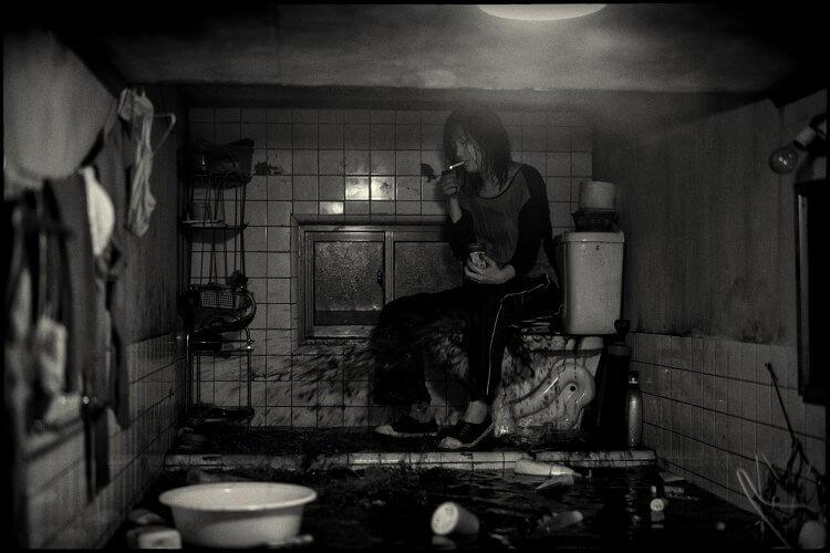 電影《寄生上流》反映了南韓社會嚴重的貧富差距