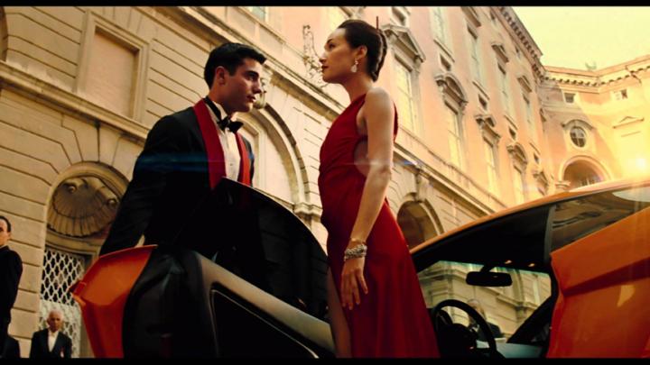 這件 Roberto Cavalli 的紅洋裝讓「 red dress 」變成《 MI3 》熱門關鍵字。