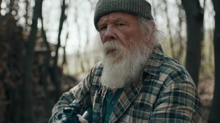 尼克諾特在《全面攻佔 3:天使救援》中扮演麥克的爸爸克雷 (Clay)。