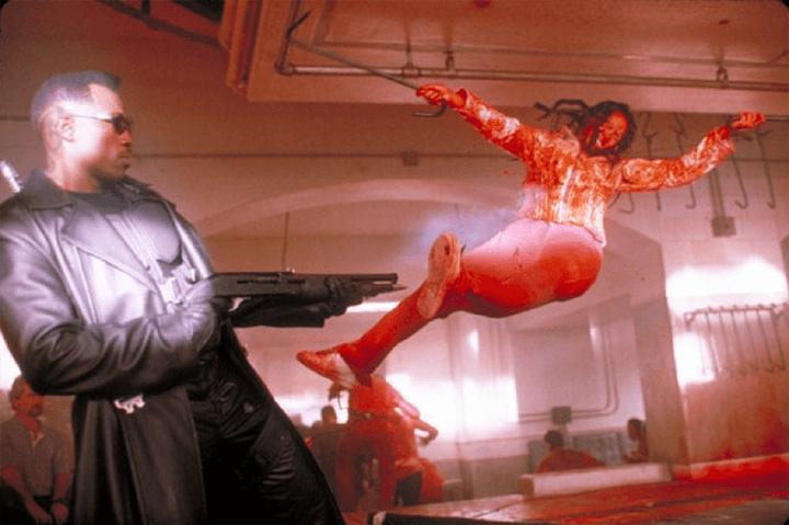 《 刀鋒戰士 》對融入社會的 吸血鬼 有深入設定。