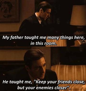「親近你的朋友,更要親近你的敵人」:《 刀鋒戰士 2 》偷師自《 教父 2 》的台詞。
