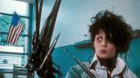 【電影背後】阿湯哥差點成了愛德華?「新好男孩」尼克卡特有客串?你可能不知道的《剪刀手愛德華》10 個冷知識──