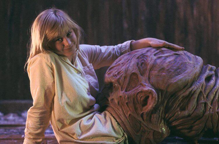 《半夜鬼上床3:猛鬼逛街》派翠西亞艾奎特。