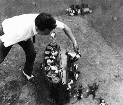 大映電影《大群獸嚙吱拉》場景布置。