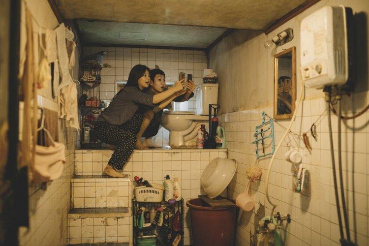 奪南韓票房冠軍再獲坎城金獎,韓國電影《寄生上流》帶你看透血淋淋的社會貧富故事。