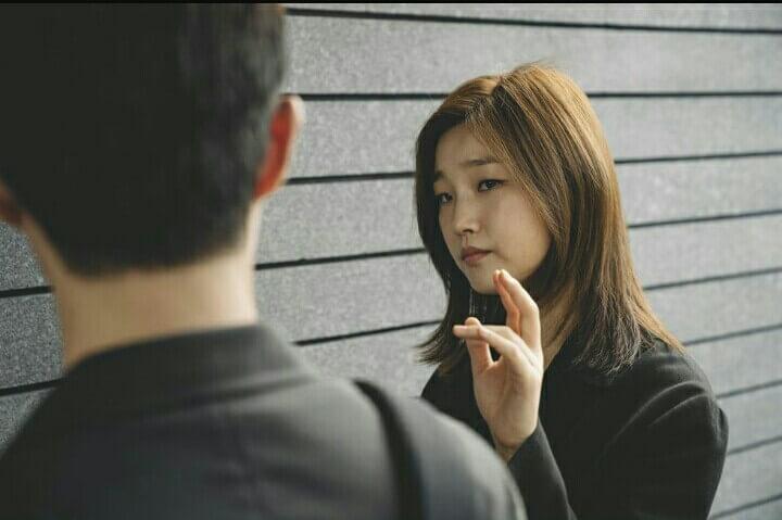 韓片《寄生上流》將眼下南韓年輕人的生活困境真實呈現,他們更常以「地獄朝鮮」去形容國家。