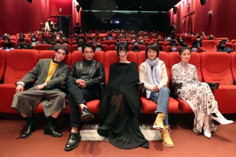 《愛・殺》演員:左起為徐宇霆、黃尚禾、陽靚、導演周美玲、翁嘉薇。