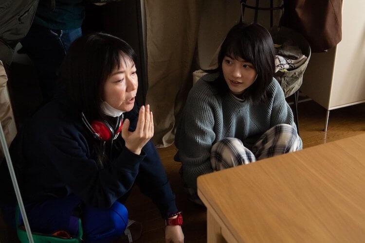 《戀愛腦內諮商室》導演大九明子及女主角のん。