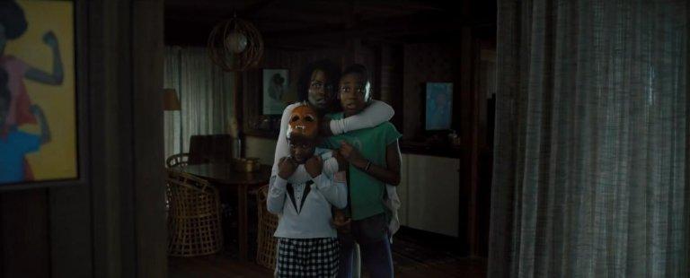 喬登皮爾最新驚悚電影《我們》,該如何逃避和自己相同面貌行為的陌生人的追殺呢?