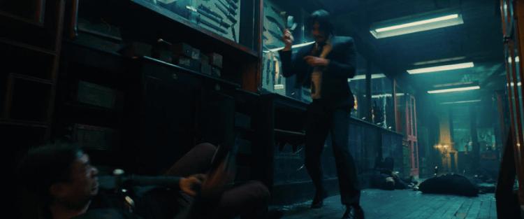 《捍衛任務 3:全面開戰》中,刺刀插眼窩、擊槍爆頭等血腥暴力畫面,都來自導演對「合乎真實」的要求。