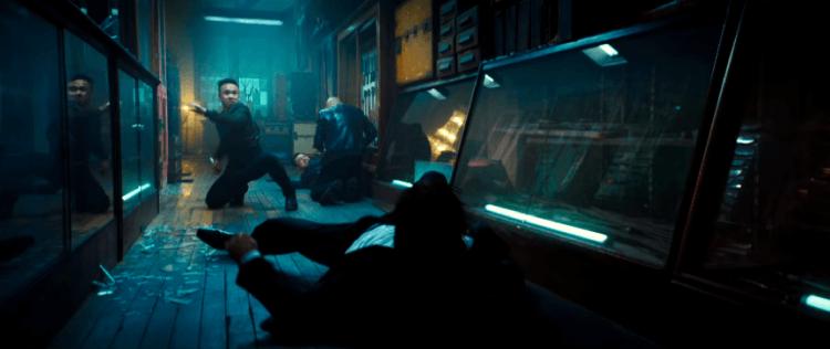 基努李維與敵人在《捍衛任務 3:全面開戰》的刀戰場景,絕對能讓觀眾看的緊張不已,血脈賁張!