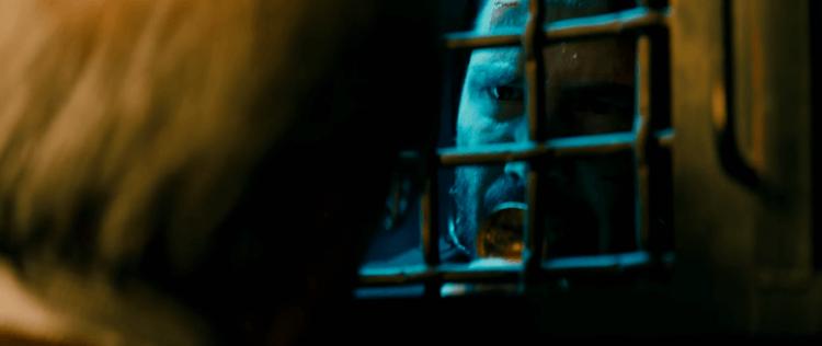《捍衛任務》導演查德史塔赫斯基認為,透過《全面開戰》中的描述,觀眾將更能接受「約翰維克」這個角色──他絕非單純想至人於死的冷血殺手。