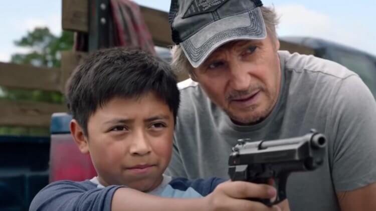 【影評】《捍衛救援》: 最強老爸變保母,躲避仇殺一把罩首圖
