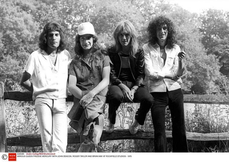 音樂紀錄片電影《搖滾農莊錄音室》中提到的皇后合唱團。