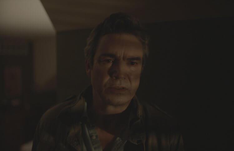 美劇《重案組》強坦尼 (Jon Tenney) 出演亞當藍道爾導演電影《搞鬼》。