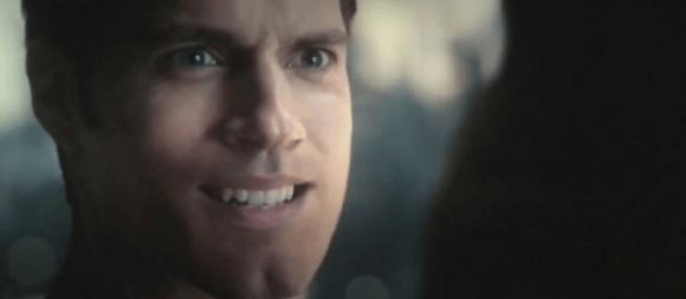亨利卡 維爾(Henry Cavill) 飾演超人。