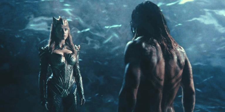 《正義聯盟》中梅拉與亞瑟(水行俠)提到亞特蘭娜女王的話題。