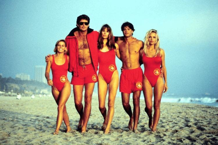 90 年代經典影集《海灘遊俠》劇照。