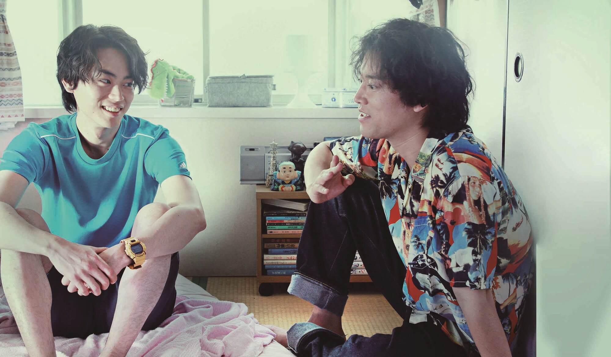 《 火花 》 菅田將暉 (左)和 桐谷健太 (右)本