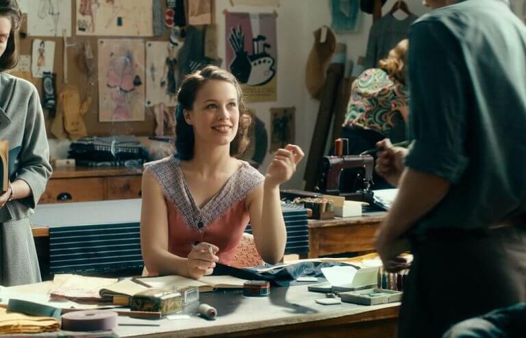 寶拉比兒於《無主之作》中飾演艾麗。