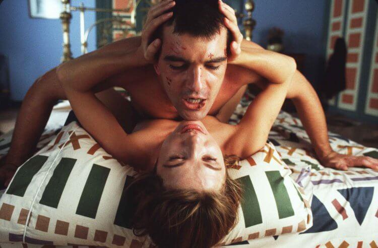 《綑著你,困著我》阿莫多瓦經典電影重現大銀幕,狂粉綁架三級片女星只因太專情