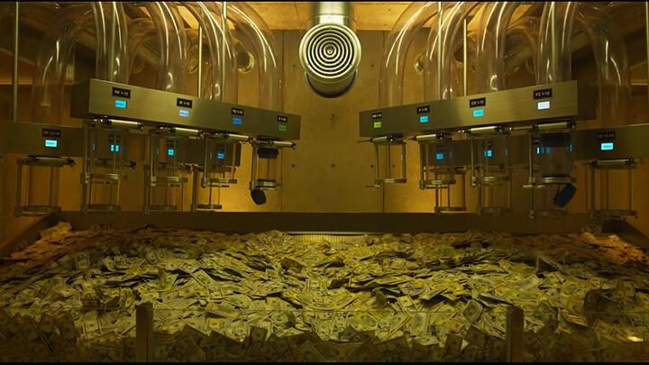 《 羅根好好運 》想錢想瘋了, 魯蛇 決定大幹一場。
