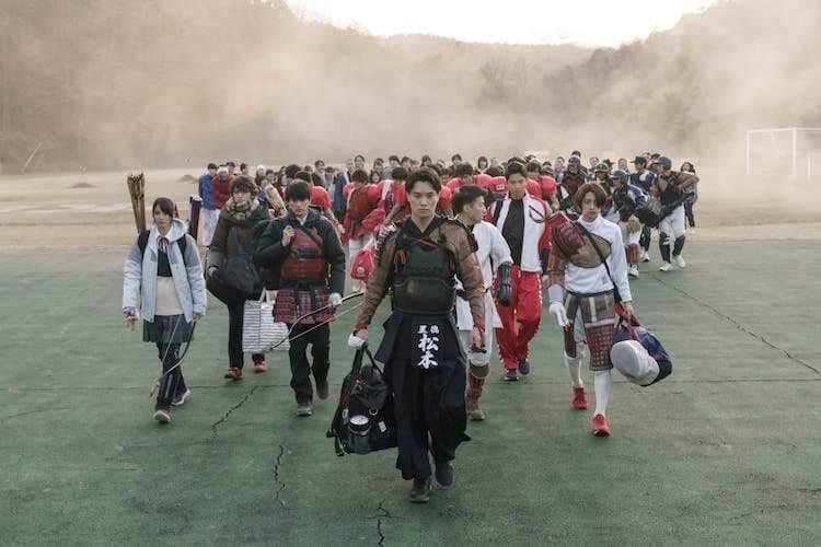 《群青戰記》體育菁英高中生遇落雷「被穿越」與戰國武將大對決?