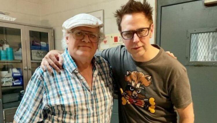 《自殺突擊隊:集結》導演詹姆斯岡恩(右)與漫畫原著作者約翰奧斯特蘭德 (John Ostrander)(左)。