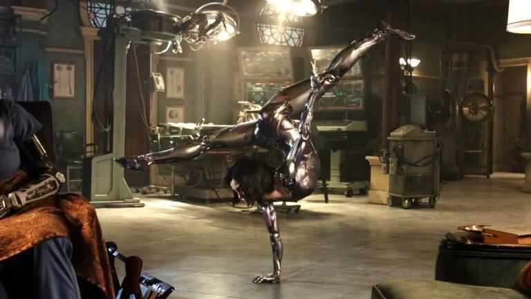 《艾莉塔:戰鬥天使》電影中流暢的動作以及華麗的畫面皆由高科技數位美術與動態擷取相輔相成。