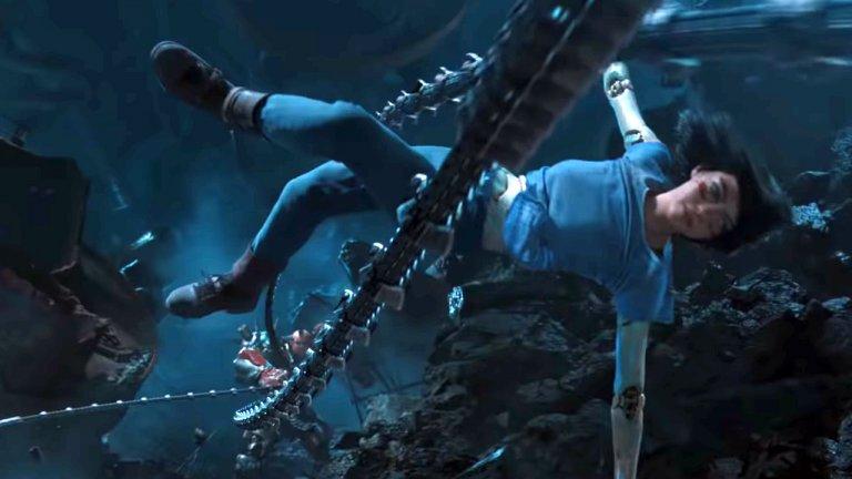 《艾莉塔:戰鬥天使》片中,藉由女主角艾莉塔踏上尋回記憶的戰鬥之旅,觀眾可以拼湊出這個世界的上下不平等,有待起身對抗。