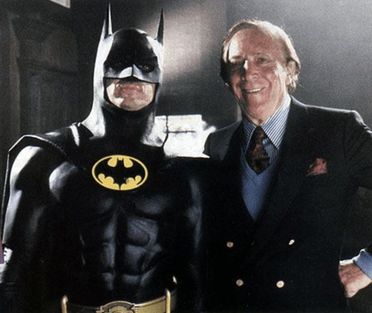 提姆波頓導演 1989 年電影《蝙蝠俠》米高基頓與鮑勃肯恩。