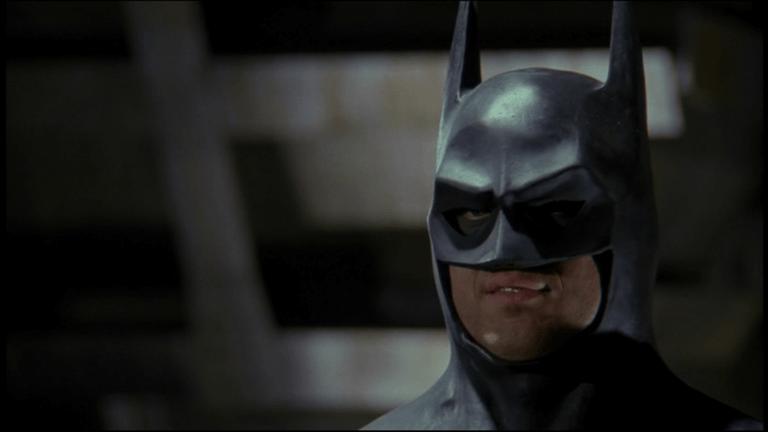 陰鬱黑暗的蝙蝠俠,才是米高基頓想詮釋挑戰的布魯斯韋恩。