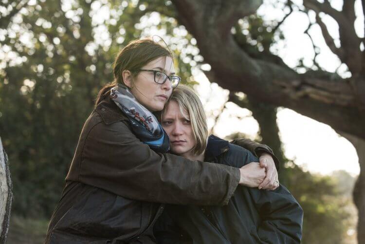 《說不出的告別》凱特溫絲蕾(左)與蜜雅娃絲柯思卡(右)。