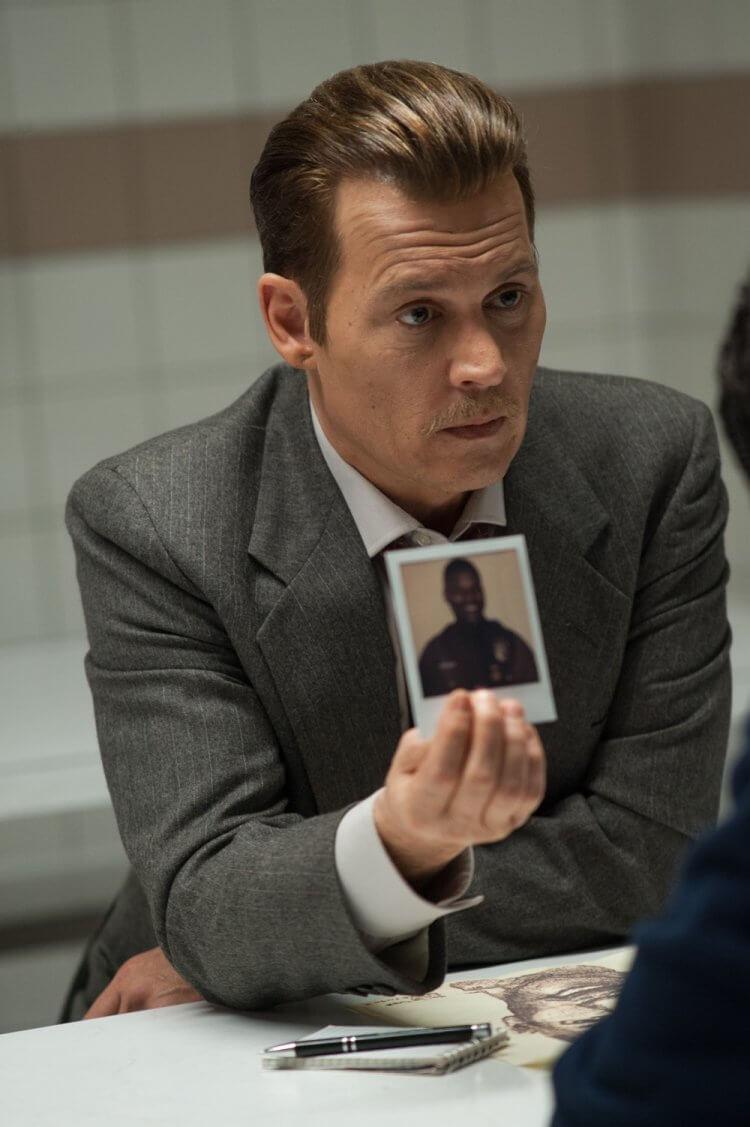 《誰殺了大個子》強尼戴普。