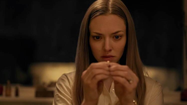 亞曼達塞佛瑞在《謎屋闇語》中飾演女主角「凱薩琳」。