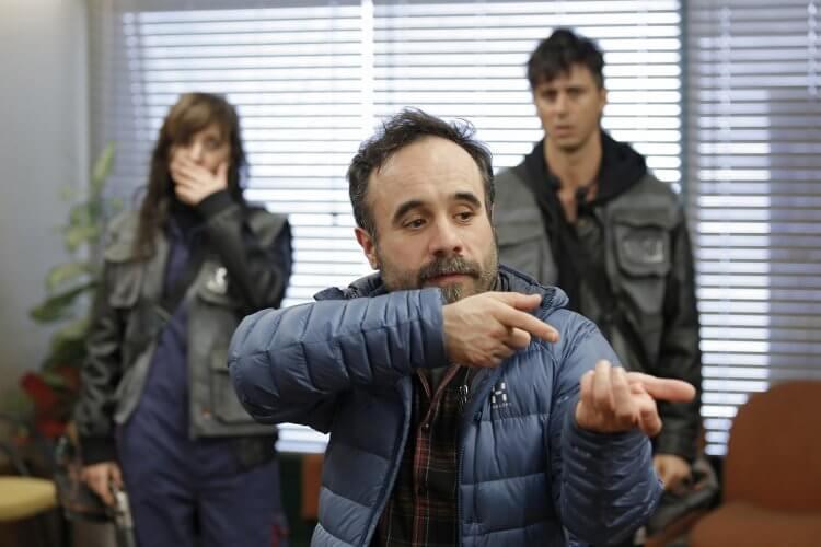 《逆轉劫局》導演克爾多薩拉(前)耗時六年籌備本片,被力捧為「西班牙當代影壇最好的導演之一」