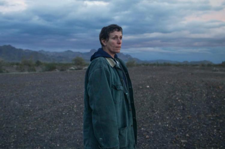 摘下威尼斯金獅獎榮耀的電影《遊牧人生》法蘭西絲麥朵曼。