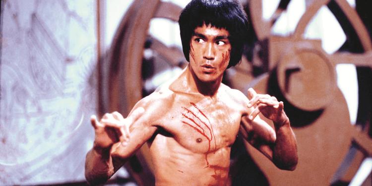 《邵氏出品:鐵拳飛踢真功夫》是以西方角度來談論武俠功夫電影對影壇的影響。
