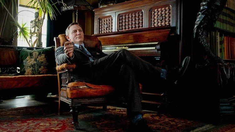 丹尼爾克雷格 (Daniel Craig) 在《鋒迴路轉》(Knives Out) 一片中飾演偵探
