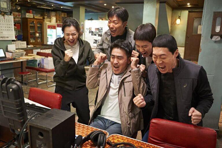 韓國電影《雞不可失》僅四天就打破了《與神同行》的票房紀錄