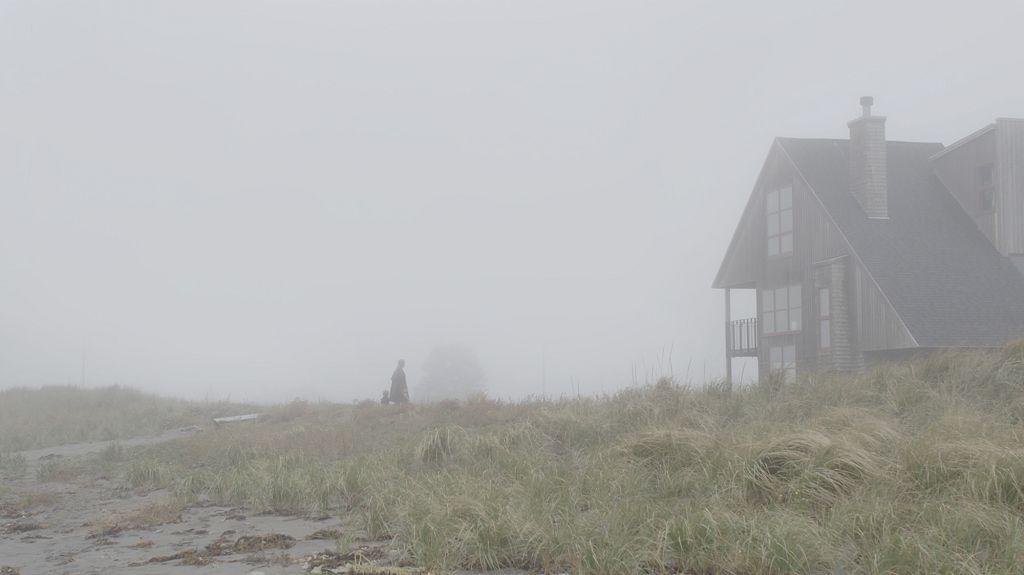 加拿大 懸疑恐怖片《 驚神時光屋 》。