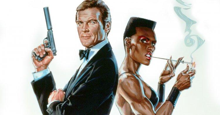 《007:雷霆殺機》詹姆士龐德與反派 May Day(葛莉絲瓊斯 飾演)。