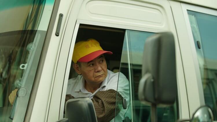 「南哥」蔡振南在電影《當男人戀愛時》飾演公車司機,也是流氓邱澤的父親