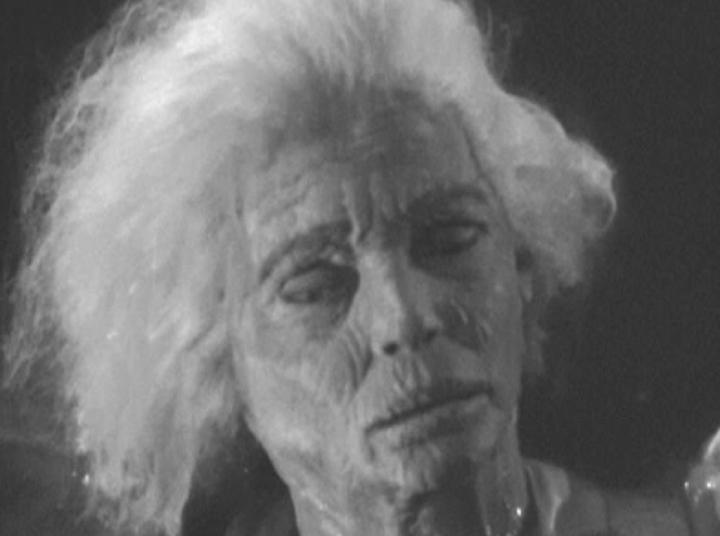 《 木乃伊鬼魂 》終於想起木乃伊卡利斯的悲願,讓他和安娜卡在一起了。