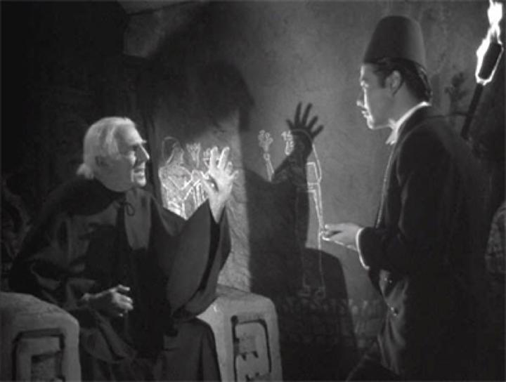 《 木乃伊之手 》中的壞巫師 安度哈 ,到了續集《 木乃伊墳墓 》居然還活著。