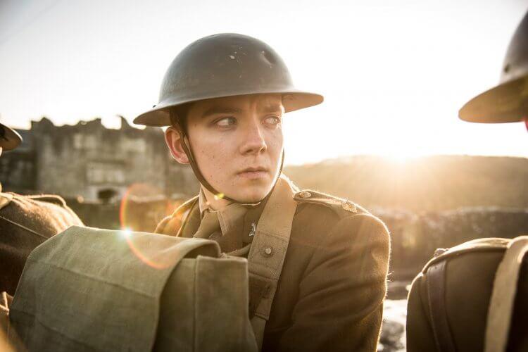 一戰電影《決戰最前線》阿薩巴特菲爾德劇照。