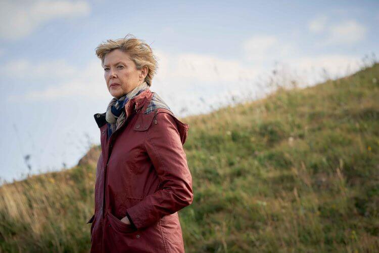 安妮特班寧在導演威廉尼克森以自身經歷改編的電影《海邊走走》中,飾演遭逢婚姻失敗的女性樣貌。