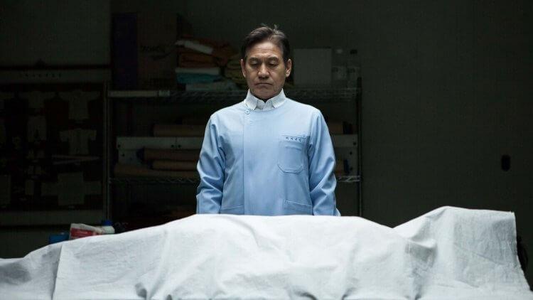 南韓國民影帝安聖基不計酬勞演出韓版《送行者》《紙花》體現生命尊嚴 提倡「死亡面前,人人平等」 11/6 上映首圖
