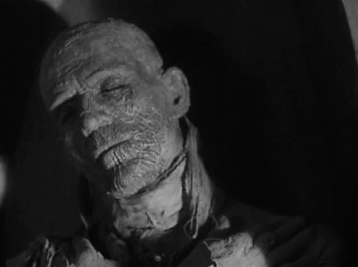 30 年代的恐怖巨型 : 布利斯卡洛夫 所飾演的 埃及木乃伊 : 印和闐 。